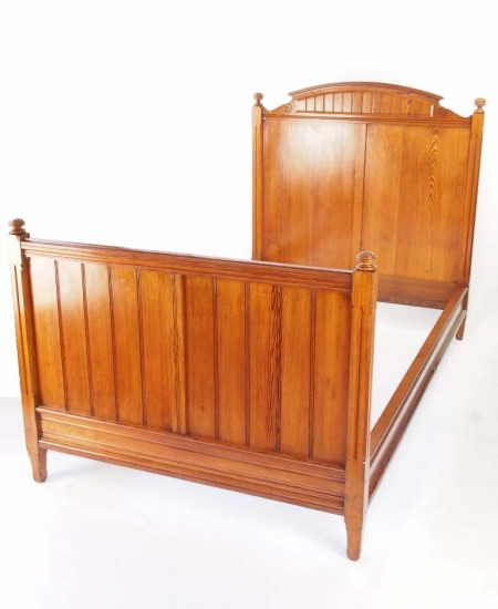 Victorian Pitch Pine Bed