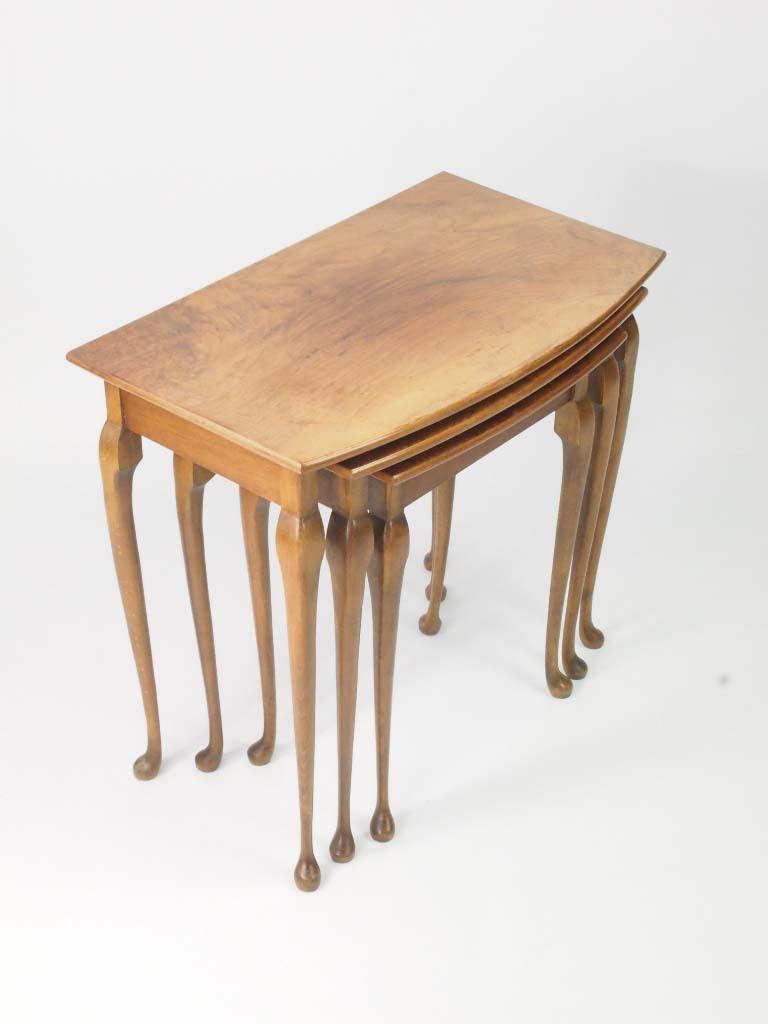 vintage nest of tables art deco walnut nest tables. Black Bedroom Furniture Sets. Home Design Ideas