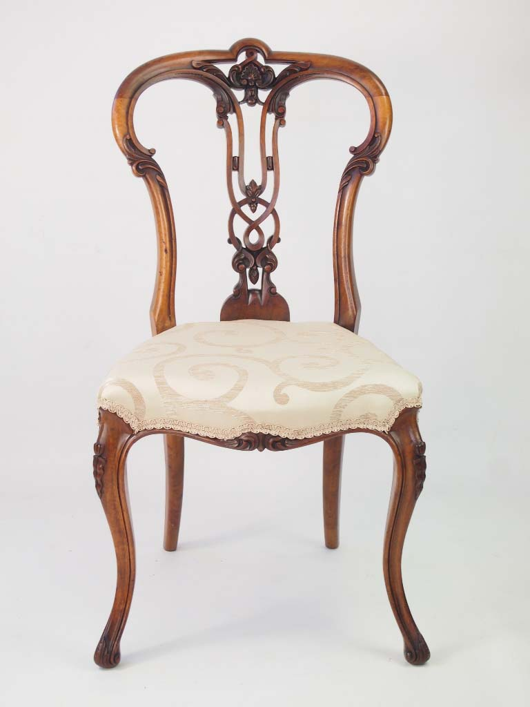 Antique Victorian Walnut Balloon Back Chair For Sale
