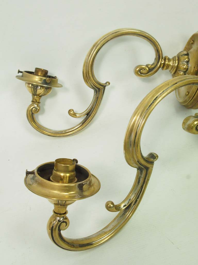 Wall Sconces Antique Brass : Pair Antique Brass Wall Lights / Sconces
