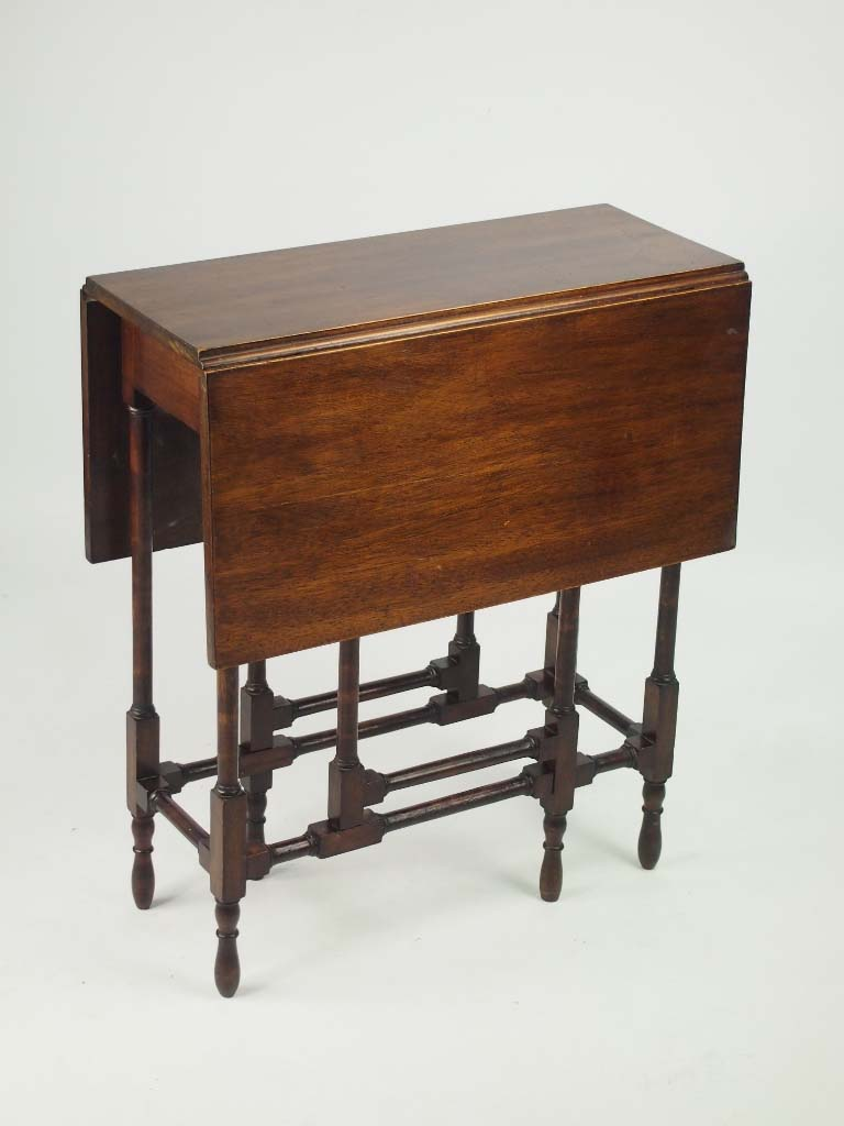 Small edwardian mahogany spider leg table for Furniture direct