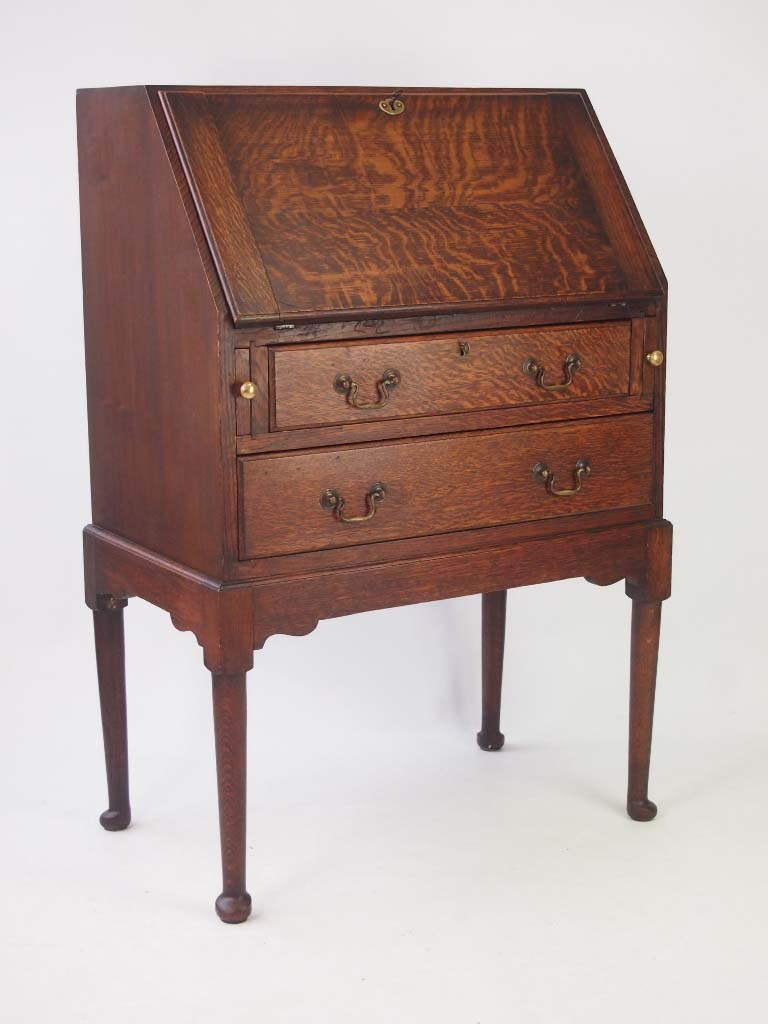 Small antique edwardian oak bureau for Bureau antique
