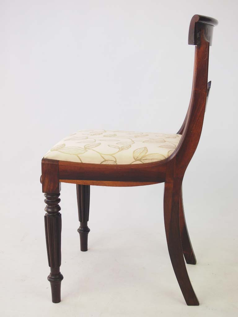 Set 4 Antique William IV Rosewood Dining Chairs : P1013920 768x1024 from www.antiquefurnituredirect.co.uk size 768 x 1024 jpeg 54kB