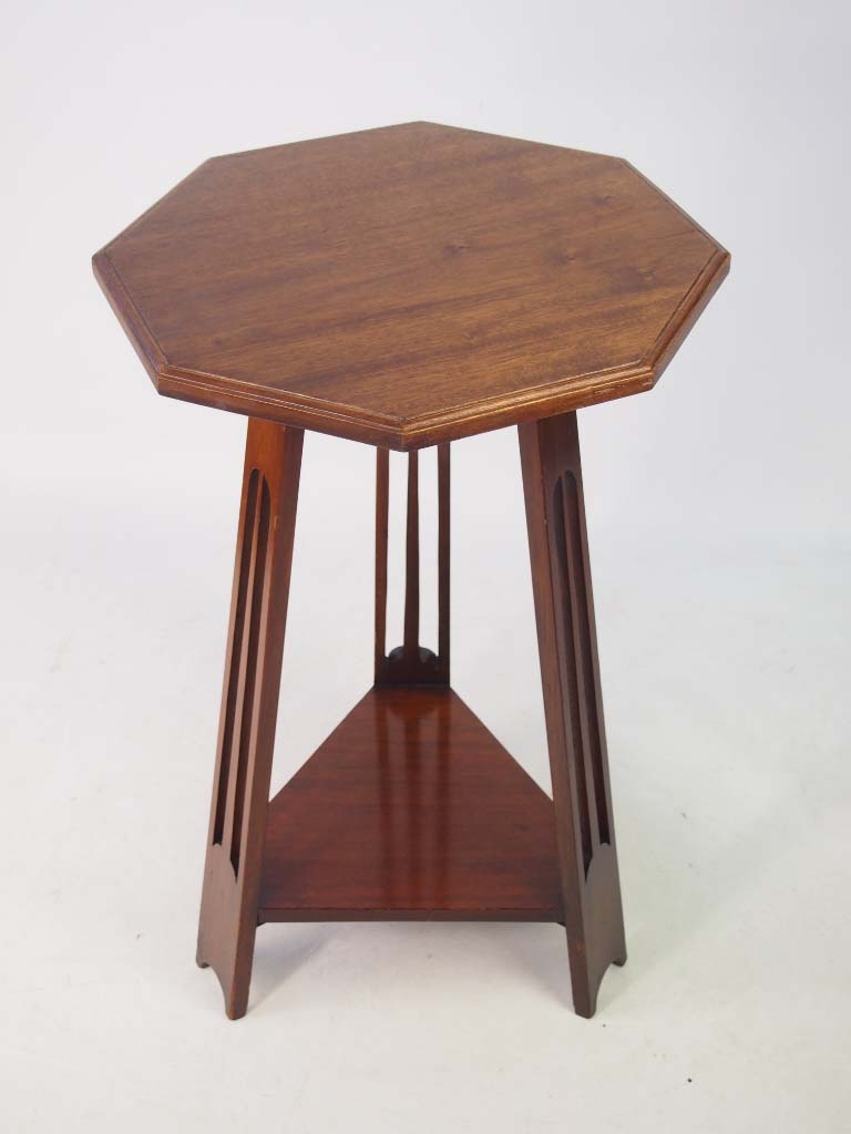 Small edwardian arts crafts mahogany lamp table for Arts and craft tables