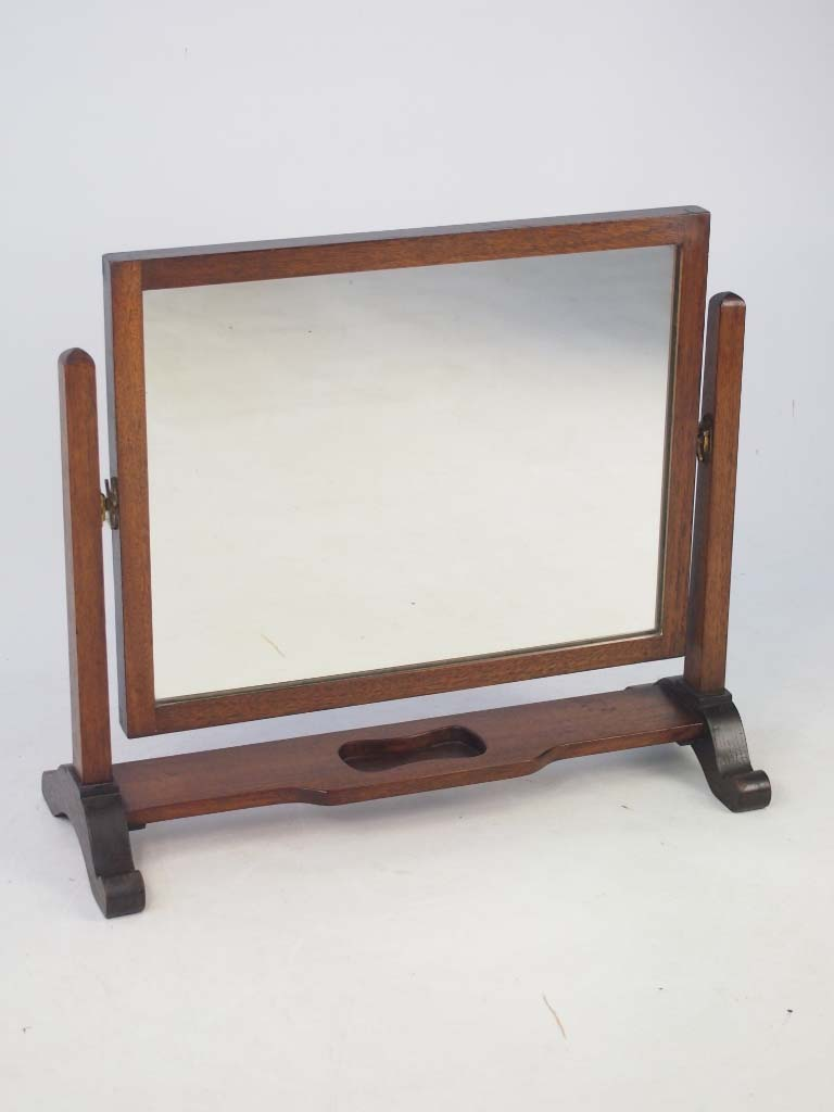 Vintage mahogany dressing table mirror for Mirror dressing table