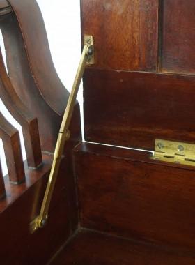 Ewdardian Mahogany Piano Stoo