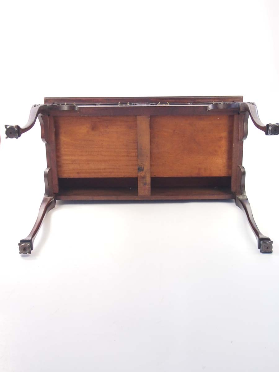 Antique victorian mahogany writing table desk for Victorian furniture