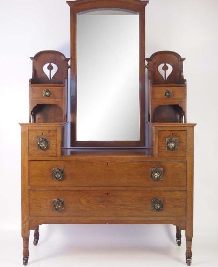 Edwardian Arts and Crafts Oak Dressing Table